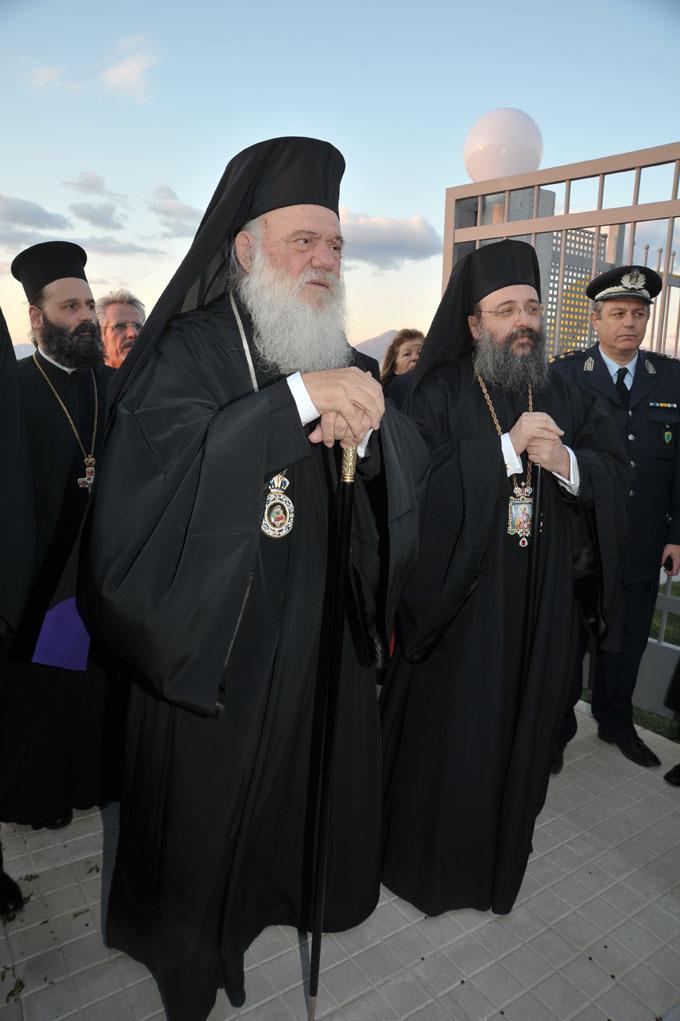 Βλέπετε εικόνες από το άρθρο: Τα εγκαίνια του νέου κτιρίου του Εκκλησιαστικού Λυκείου Πατρών και της Εκκλησιαστικής Εστίας