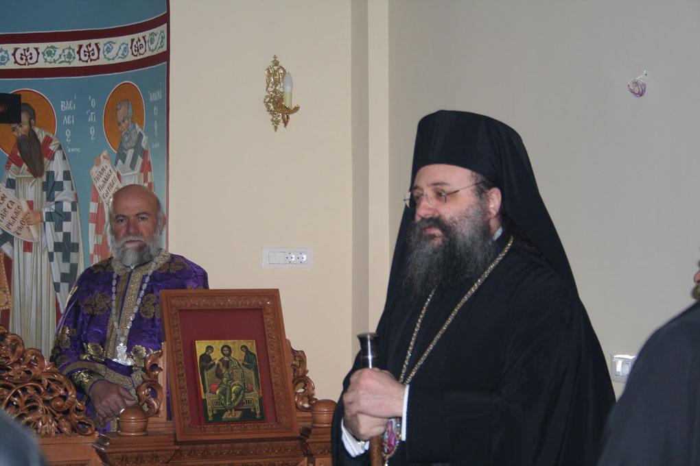 Βλέπετε εικόνες από το άρθρο: Προηγιασμένη Θεία Λειτουργία στο Εκκλησιαστικό Λύκειο Πατρών 06-04-2012