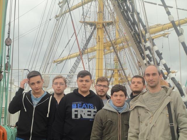 Βλέπετε εικόνες από το άρθρο: Οι μαθητές του Γενικού Εκκλησιαστικού Λυκείου στο Ιστιοφόρο Kruzenshtern